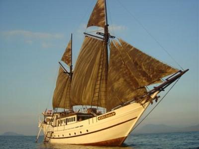 Ondina_under-sail