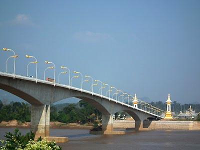 Chang-Khong-Houei-Xai-bridge